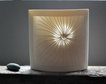 Greater Fronds Ellipse Lamp