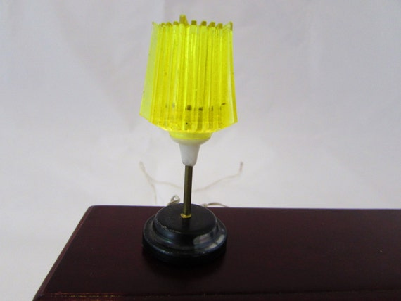 ... modern dollhouse lamp, doll house miniature electric table lamp