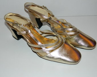 Vintage 1960s Simpson's Sears Gold Sling Back Heels U.S. Size 5.5