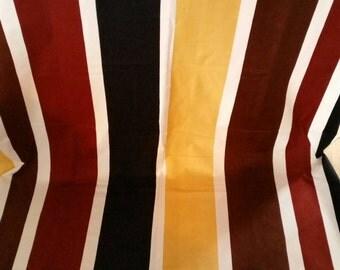 Marimekko vintage fabric Linjat design Kuutti Lavonen 1975 geometric Finland curtains