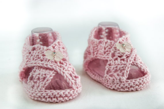 KNITTING PATTERN Baby Girl Sandal Pattern Cross Over Sandal