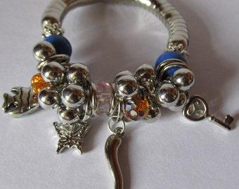 Chunky Bijoux Silver Mixed colour Bead Butterfly Key Fish Stretch Charm Bracelet Elegant Costume Jewellery Bracelet Bangle. UK SELLER.