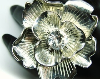 KJL Kenetth Jay Lane Ring Oversize Dogwood Flower Rhodium Plate Rhinestone Center teamvintageusa