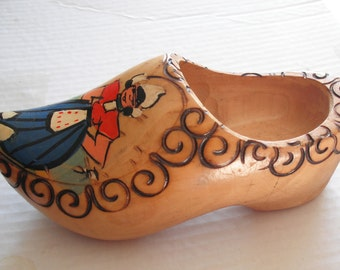 DUTCH WOODEN SHOE - Decorative Hanging Souvenir Marked Made in Holland Hand Painted Dutch Girl