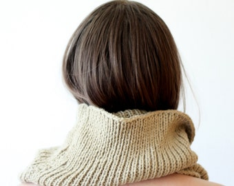 KNITTED COWL / loop / Scarf / Shaw / Super warm/ sandiness cowl