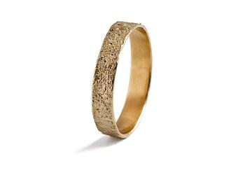 Mens Gold Wedding Band, 14K  Solid Gold Mans Wedding Ring.