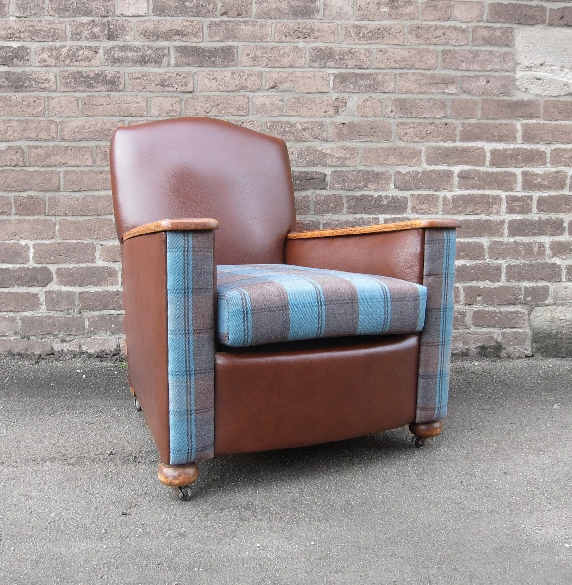 Stunning 1930s art deco lounge arm fireside chairs newly upholstered in a soft brown saddle tan - Deco lounge grijs en beige ...