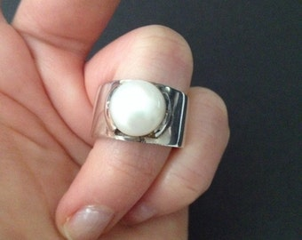 Vintage Bold Sterling Silver Pearl Ring