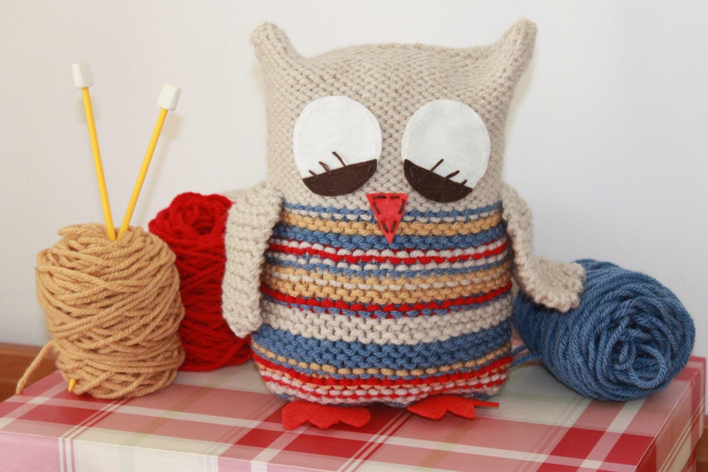 Toy Knitting Pattern PDF Sleepy Barn Owl
