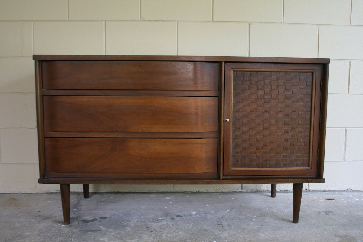 Modern Sideboard Credenza – 1950s 1960s Vintage Server/Buffet . Full resolution  portrait, nominally Width 1200 Height 800 pixels, portrait with #63412F.