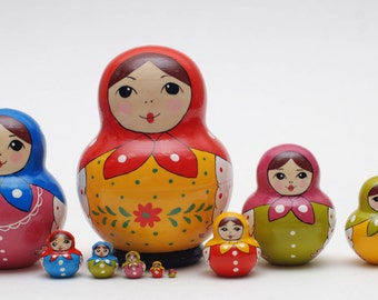 Russian Sergiev Posad Matryoshka babushka russian nesting doll 10 pc Free Shipping plus free gift!