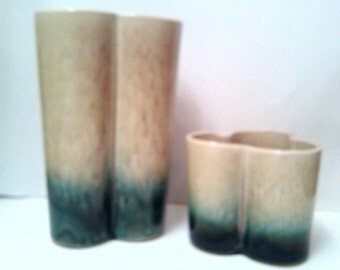 Hull Pottery Vases 110 And 121