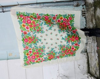 SALE 15% !!! Vintage Ukrainian shawl, Russian Floral Scarf ,russian shawl, floral scarf, head scarf,natural white shawl, wedding shawl