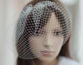 Bridal mini veil ---mini tulle veil---v221