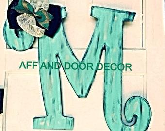 Initial letter door hanger,letter M door hanger,personalized door hanger, monogramed letter door hanger, wooden letter door hanger, wall art