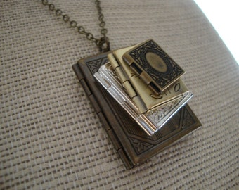Stack of Books Locket Necklace, Stacked Book Locket Necklace, Stack of Books Necklace, Stacked Books, Gift for Librarian or Avid Reader