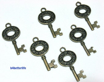 "6pcs Antique Bronze Tone ""Skeleton Key"" Metal Charms. #BC3444."