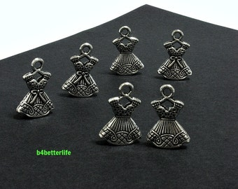 "Lot of 24pcs Antique Silver Tone Double Sided ""Skirt"" Metal Charms. #JL3344"