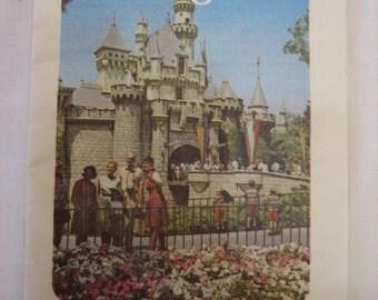 Fall/Winter 1968 Disneyland Pocket Guide Booklet