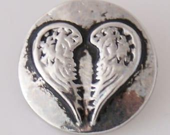 KB7789  Antiqued Silver Angel Wings