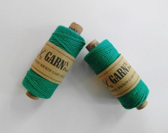 1 spool BAKER'S TWINE *smaragd *emerald *green
