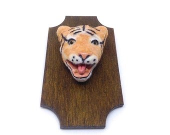 Miniature tiger head-open mouth with teeth on plaque - handmade