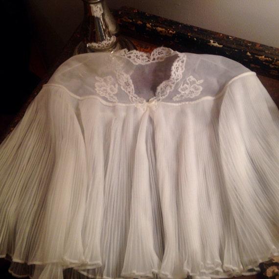 Wedding Shawl Wedding Bolero Vintage Wedding Dress White