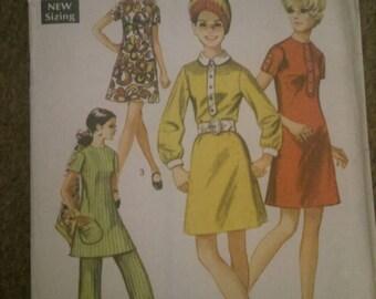 1960s simplicity 8585, size 14