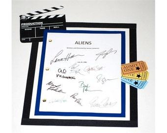 Aliens Movie Screenplay Script Autographed James Cameron, Sigourney Weaver, Lance Henriksen, Paul Reiser, William Hope