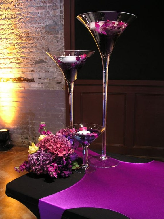 Tall martini glass vases wedding centerpiece by partyspin for Decoration vase martini
