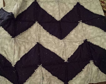 Chevron flannel rag quilt