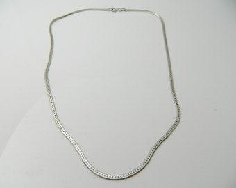 Vintage Sterling Silver Ovals, Shiny Herringbone  Necklace 4.6g U5546