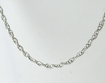 Vintage Sterling Silver Twisted, Thin Rope  Necklace 1g U5762