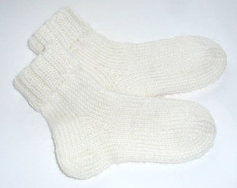 Hand knitted white baby socks, wool socks, Ready to ship