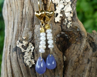 Tanzanite and pearl drop earrings.