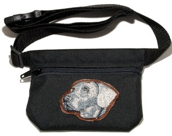 Weimaraner embroidered dog treat bag / treat pouch with waist belt. For dog shows, walking and training. Great gift for dog lovers.