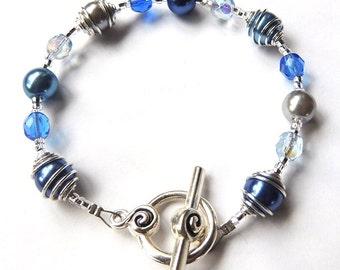 Blue Swirl Glass Pearl Bracelet