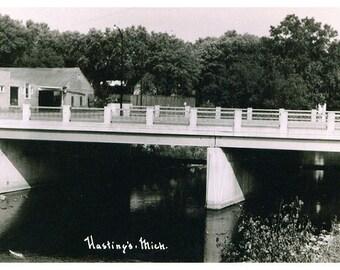 Hastings Michigan, Michigan Ave Bridge Postcard