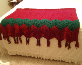 Rich Deep Red and Dark Green Hand Made Afghan Blanket Throw L1469