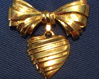 Heart Brooch~MOTHER~Vintage AVON