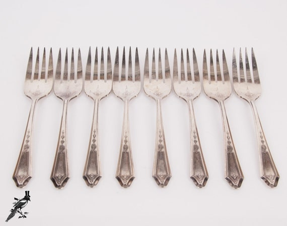 1923 Set Of 8 Oneida Community Tudor Plate By Thecordialmagpie