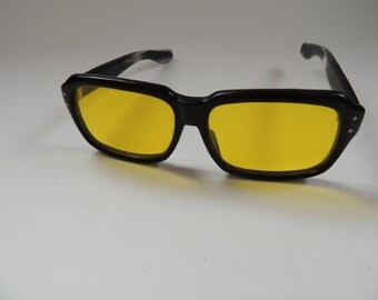 fantastic 60's blue blocker sunglasses black rimmed - AMAZING