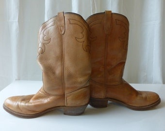 Vintage 1980's Abilene Men's Tan Cowboy Boots.  Great stitching details! I believe they are size 12 .
