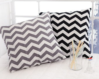 Scandinavian Style Zigzag Pattern 20s Oxford Cotton Fabric - 2 Colors Selection