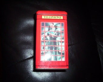 Vintage telephone box money box. Red telephone box Kiosk collectable. Ian Logan Tin