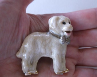 Cute Vintage Golden Retriever Dog Enamel Pin Brooch with Creamy Beige Enamel work and Bow around it's Neck