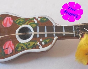 Vintage Wooden Guitar Brooch/Pin from Curacao, Netherlands