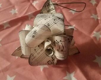 Beautiful paper rose bouquet