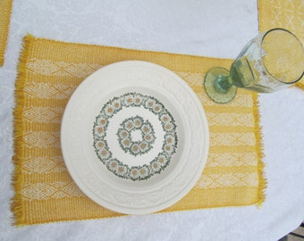 Vintage  yellow and white  fabric  Placemats   11 1/4'' x 17 1/2 '' set of 4
