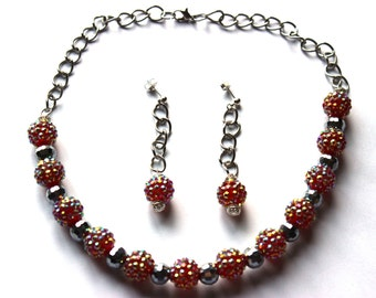 Glamorous Necklace and Earring Set